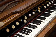 Clavier antique d'organe photos stock