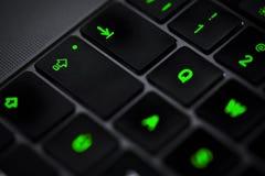 Clavier d'ordinateur dans rétro-éclairé Image stock