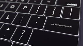 Clavier noir d'ordinateur et touche rougeoyante d'inscription en ligne Rendu 3d conceptuel Image stock