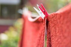 Clavija y toalla de ropa Imagen de archivo libre de regalías