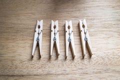 Clavijas de madera del paño Fotos de archivo