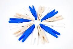 Clavijas de ropa plásticas Imagen de archivo libre de regalías