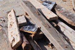 Clavo oxidado en la madera Fotografía de archivo libre de regalías