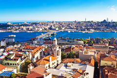 Claxon de oro en Estambul imagenes de archivo