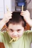 Claxones y dientes fritos de la patata imágenes de archivo libres de regalías