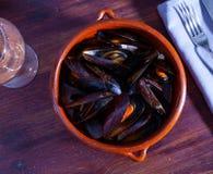 Free Clay Bowl Of Stewed Molluscs A La Marinera Royalty Free Stock Photos - 216569528