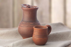 Clay jug and mug Royalty Free Stock Photography