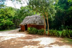 Clay Mayan hus arkivbild