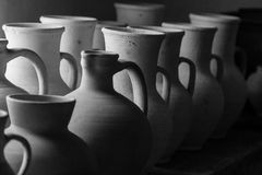 Clay pots and vases of different sizes. Close up Royalty Free Stock Photos