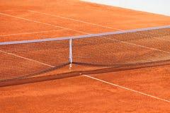 Clay Tennis Court y red vacíos Foto de archivo