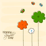 Célébration indienne de jour de République avec les fleurs tricolores Photo stock
