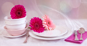 Clean plates and cups on Royalty Free Stock Photos
