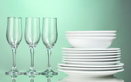 Clean plates and glasses Royalty Free Stock Photos