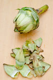 Cleaning artichoke Royalty Free Stock Photos