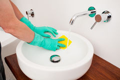 Sink cleaning Royalty Free Stock Photos