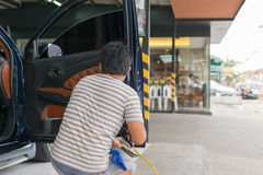 Cleaning the car Royalty Free Stock Photos