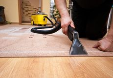 Free Cleaning Carpet Services Detail With Yellow Machine Royalty Free Stock Photo - 110686515