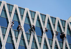 Cleaning glass building Royalty Free Stock Photos