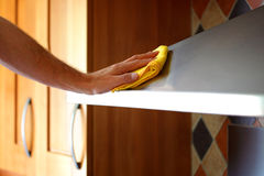 Cleaning the kitchen Royalty Free Stock Photos