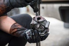 Cleaning paliwa zastrzyk i lotniczego przepływu samochodowy silnik Zdjęcia Stock
