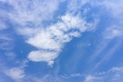 Clear blue sky in sunny day with Stratus cloud Royalty Free Stock Images