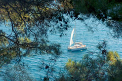 Clear blue water in the calanque of Cassis, Stock Photos