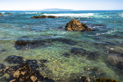 Clear blue water in Fort Bragg, California Stock Photography