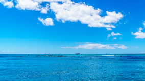 The clear blue waters at Waikiki Beach Royalty Free Stock Photos