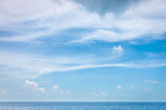 Clear Sky with cloudscape and ocean Royalty Free Stock Photography