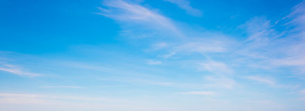 Clear sky with some clouds Royalty Free Stock Photography