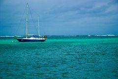 Clear Waters. Blue waters of the coast of Ambergris Caye, Belize Stock Photo