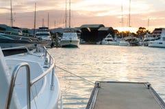 Cleat przy marina dla łódkowatej kurtyzaci Zdjęcie Royalty Free