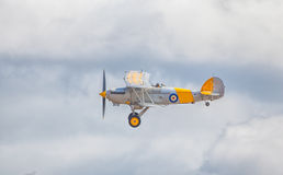 Cleethorpes, Angleterre - 28 juillet 2013 : Flyi de Nimrod Biplane de colporteur Photo libre de droits