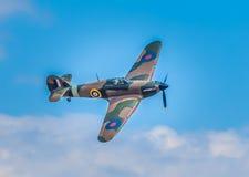Cleethorpes England - Juli 28, 2013: GatuförsäljareHurricane flygplan Arkivfoton