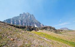 Clement Mountain, wie von versteckter Seespur auf Logan Pass im Glacier Nationalpark während der 2017 Fallfeuer in Montana USA ge stockbild