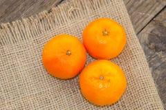 Clementine fresche sopra Fotografia Stock Libera da Diritti