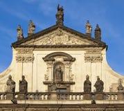 Clementinum - escultura sobre la entrada Foto de archivo