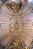 Clerigos教会是一个巴洛克式的教会在市波尔图,在葡萄牙 里面内部 免版税库存图片