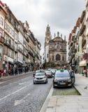 Clerigos街道和教会在波尔图,葡萄牙 图库摄影
