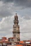 Clerigos kyrkliga Klocka torn i Porto Royaltyfri Bild