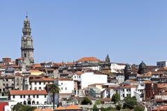 Clerigos-Turm und alte Stadt Porto Lizenzfreies Stockfoto
