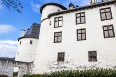 Clervauxkasteel in Clervaux, Luxemburg, buiten gedeeltelijke mening royalty-vrije stock afbeeldingen