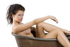 Clesed mustert Mädchen mit nassem stieg Stockfotografie