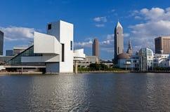 "Cleveland-†""am 14. Juli: das Rock u. Rollenhall of fame vorbei entworfen Stockbilder"