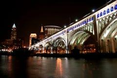 Cleveland bij Nacht Stock Afbeelding