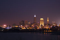 Cleveland bij Schemer stock foto's