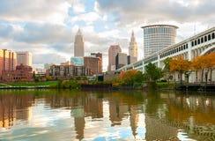 Cleveland-Flussufer Stockbilder