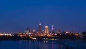 Cleveland linia horyzontu przy zmierzchem fotografia stock