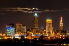 Cleveland måne i moln Fotografering för Bildbyråer