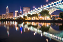 Cleveland Night Skyline Stock Foto's